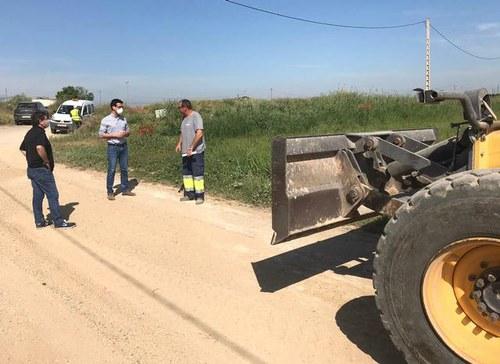 Imatge de la notícia En marxa la campanya de manteniment dels camins de terra de l'Horta