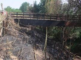 La passarel·la de vianants de fusta de Copa d'Or romandrà tancada fins a la seva reparació