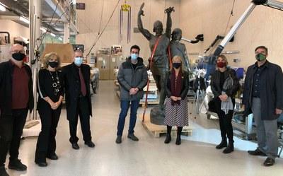 El conjunt escultòric d'Indíbil i Mandoni arriba al Centre de Restauració de Béns Mobles de Catalunya