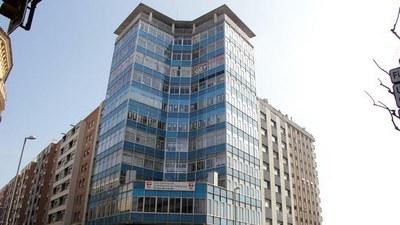 La Paeria requereix al ministeri de Treball arranjar la façana de l'edifici dels sindicats abans del 5 d'octubre