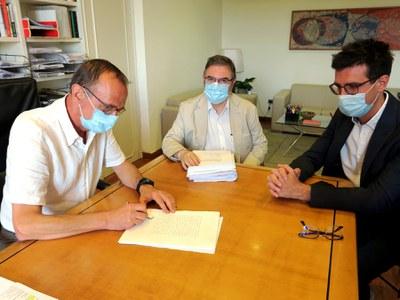 L'Ajuntament de Lleida signa la compra de l'antiga comissaria de la Policia Nacional del carrer Sant Martí