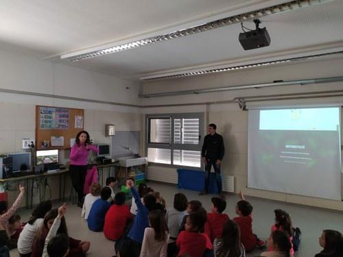 Imatge de la notícia L'Associació Osmon visita la nostra escola