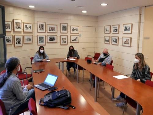 Imatge de la notícia L'EMU comparteix les seves línies de treball en la gestió d'habitatges públics amb les entitats socials
