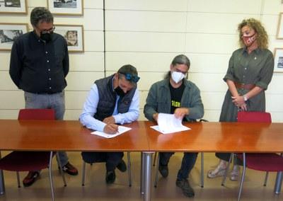 L'EMU i l'associació de firaires de Lleida signen el contracte d'arrendament del solar de l'antiga Hípica