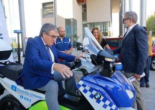 Imatge de la notícia La Paeria incorporarà vehicles elèctrics a la flota municipal