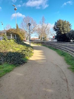 Treballs als Jardins Jaume Magre per netejar i millorar l'espai