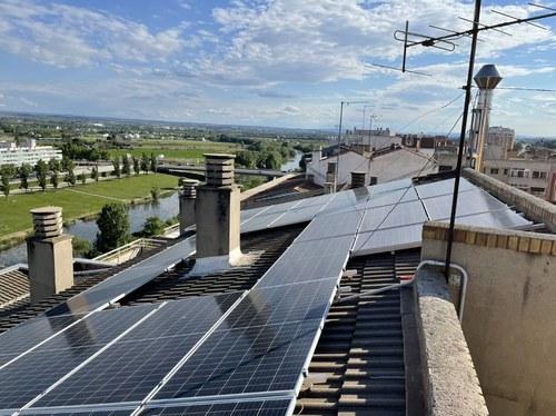 Imatge de la notícia Un centenar de participants en la primera jornada sobre autoconsum d'electricitat col·lectiu, amb gran interès d'administradors i de comunitats