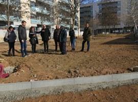 L'Ajuntament de Lleida urbanitza la Plaça del Turó de Gardeny, amplia l'espai enjardinat i crea un parc infantil