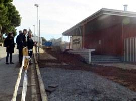 Imatge de la notícia L'alcalde Fèlix Larrosa visita les obres de l'escola de Sucs