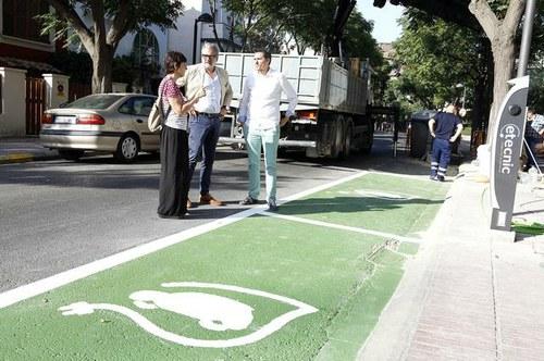 Imatge de la notícia L'Ajuntament habilita la segona estació pública de recàrrega de vehicles elèctrics