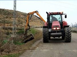 Treballs de desbrossament als camins de l'Horta de Lleida